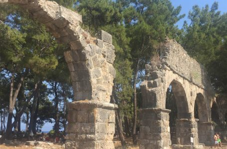 Phaselis Antik Kenti Nerede ve Nasıl Gidilir
